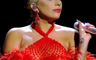 Tony_Bennett_&_Lady_GaGa,_Cheek_to_Cheek_Tour_06_edited